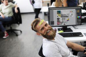 Tutkimus: Kaksi kolmasosaa suomalaisista olisi valmiita opettelemaan kokonaan uuden työn